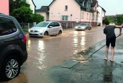 Hochwasser Karlstrasse Somborn